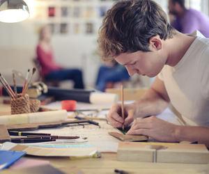 Auto-entrepreneur : que faire en cas de dépassement des seuils de CA ?